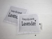 """Geursachet """"It's easy to fall in love with lavender"""""""